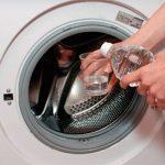 Неприятный запах из стиральной машины способен убить столовый уксус