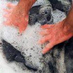 Как правильно постирать пиджак вручную в ванне
